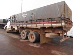 Caminhão 2 de madeira_300.jpg