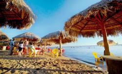 Praia do Prata é uma das mais visitadas na Capital e conta com a vigilância do Corpo de Bombeiros