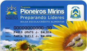 O cartão pode ser utilizado para a compra de alimentos in natura e material escolar