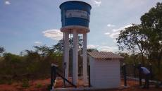 Sistema coletivo de abastecimento de água entregue ao povoado Ribeirão Manso em Angico