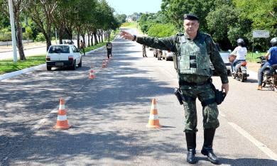 O efetivo administrativo e operacional da PM da Capital e do interior está nas ruas reforçando o policiamento de rotina