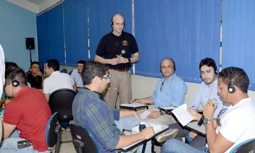 Policiais civis e militares aperfeiçoam técnicas de entrevista e interrogatório em curso