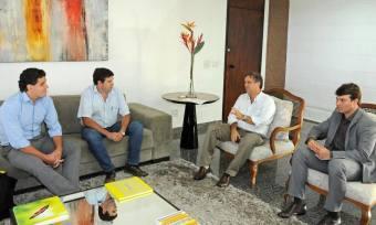 Sócios proprietários do  grupo agropecuário Pau D'Alho foram recebidos na Capital pelo governador Marcelo Miranda