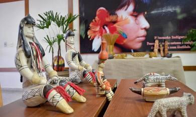 No 19 de abril - Dia do Índio: Na foto, a cultura indígena tocantinense é representada pelas bonecas ritxokô, feitas pelos povos Karajá