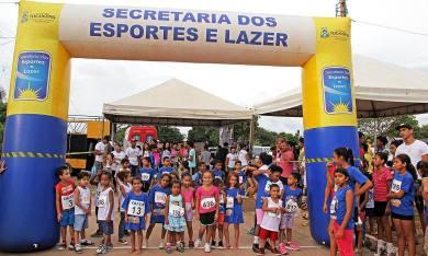 Com o apoio do Governo, nesse domingo foi realizada a 4ª Corrida de Rua Mirim das Arnos, em Palmas, reunindo centenas de participantes