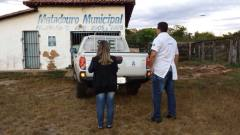 A Adapec interditou o matadouro e notificou um representante da prefeitura, orientando este, a atender uma série de exigências legais