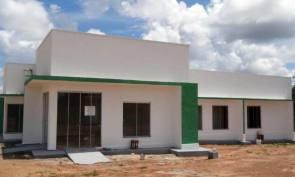 As construções estavam paradas há mais de um ano e, somente após a intervenção da atual gestão, o empreendimento pôde ser concluído