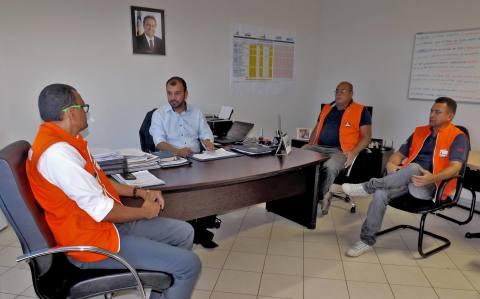 Eder Fernandes durante encontro com técnicos da Defesa Civil