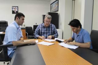 Presidente do Naturatins, Ricardo Fava , o diretor de  Biodiversidade e Áreas Protegidas, Maurício Araújo e o  superintendente de Gestão Ambiental, Antônio Cleyton.