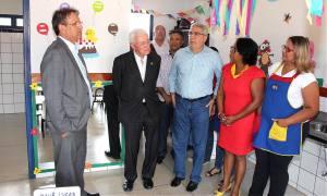 Acompanhado de Marcelo Miranda e Laurez Moreira, ministro conheceu o Cmei Irmã Divina