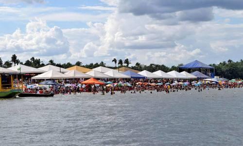 Diversas cidades do Tocantins lançaram, neste final de semana, a Temporada de Praias 2015, como em Porto Nacional