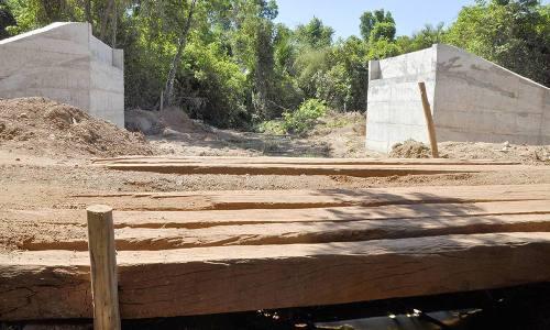 Governo do Estado está substituindo pontes de madeira por concretto em estradas vicinais por meio do projeto PDRIS