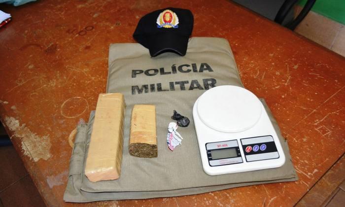 Droga apreendida com traficante em Divinópolis.JPG