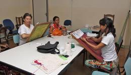 Em instituições como a Apae, alunos com necessidades especiais recebem educação e tratamento especializados
