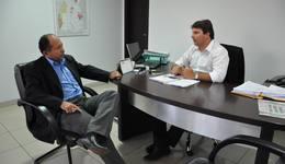 Jota Patrocínio recebe prefeito de Arapoema para tratar da gestão da rodoviária do município