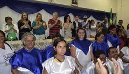O prefeito de Gurupi Laurez Moreira, ao lado de Gleidy Braga e autoridades municipais, durante abertura  do evento
