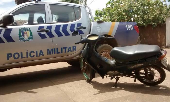 Motocicleta recuperada pela PM em Porto Nacional_700x420.jpg