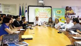 Educadores discutem a autoavaliação do Prêmio Gestão