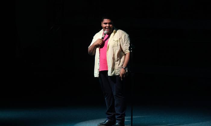 Humorista Paulo Vieira e convidados arrancaram verdadeiras gargalhadas, em show de Stand Up Comedy