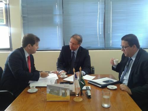 Governador, Marcelo Miranda, em uma suas visitas à Brasília, despacha com os secretários Renato de Assunção e Geferson Oliveira