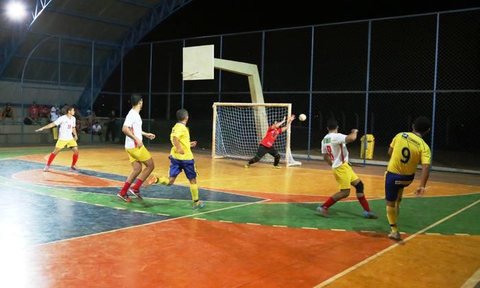 Ataque do time dos Correios no jogo da semifinal contra Bombeiros_700x420.jpg