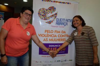 O Governo lançou a campanha Quem Ama Abraça, que visa reduzir os altos índices registrados de violência contra a mulher no Tocantins