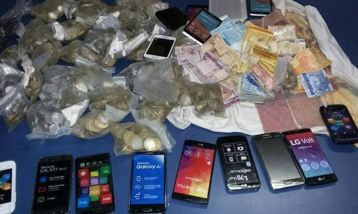 Material apreendido com trio acusado de furto_700x420.jpg