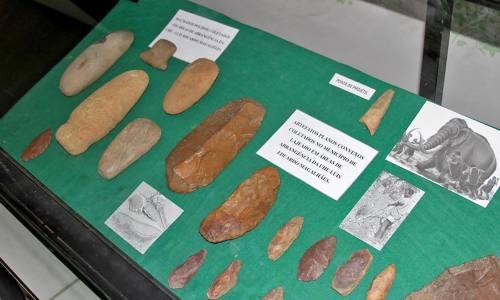 Peças arqueológicas encontradas ao longo da Ferrovia em exposição no Núcleo Tocantinense de Arqueologia