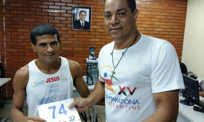 Um dos favoritos ao título, Eliésio Miranda, de Palmas, já retirou o kit da Meia Maratona do Tocantins_700x420.jpg