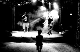 Na noite desta terça-feira, 22, o campinho de futebol do setor Morada do Sol II, zona de sul de Palmas, recebeu o ritmo, a poesia e a atitude do Hip Hop e artistas da capital.