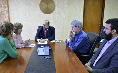 Durante a reunião, foram discutidos vários temas, como a motivação dos profissionais e a revisão das estruturas gestoras dos hospitais