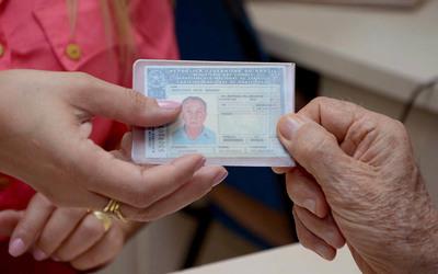 A Carteira Nacional de Habilitação é um documento essencial para a independência no trânsito, além de garantir a legalidade do condutor