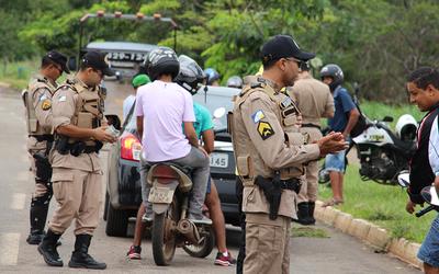Foram realizadas 110.403 abordagens de veículos suspeitos foram realizadas em 2015