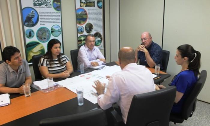 Reunião com representantes da Investco