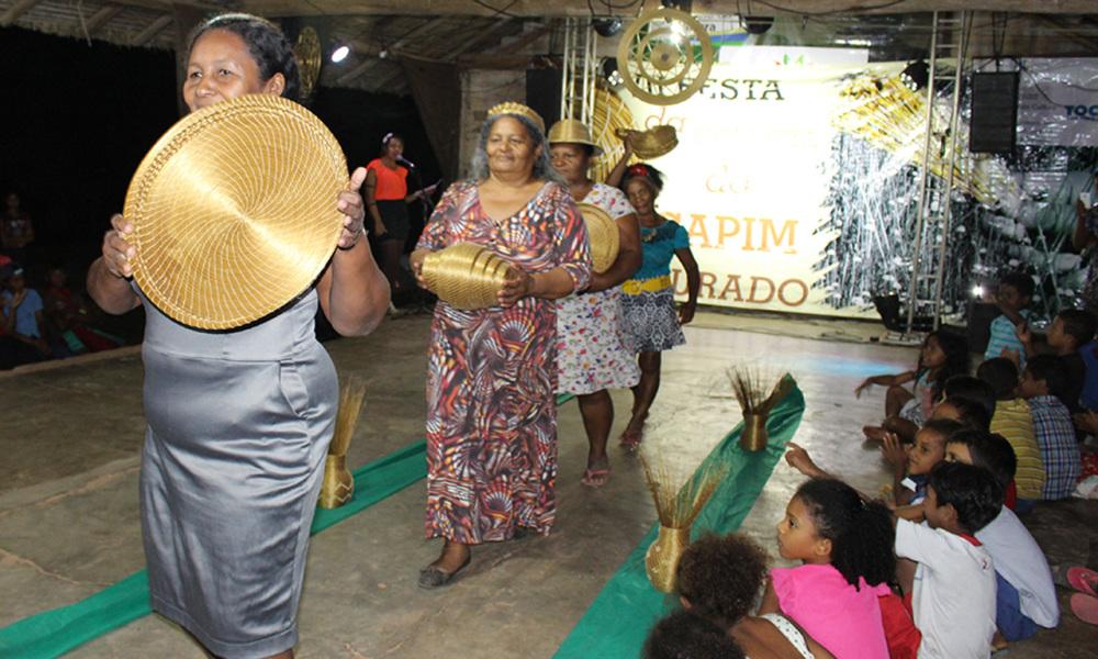 Adesivo Infantil De Parede ~ Artesanato em capim dourado reflete a atuaç u00e3o da mulher quilombola na cultura do Tocantins