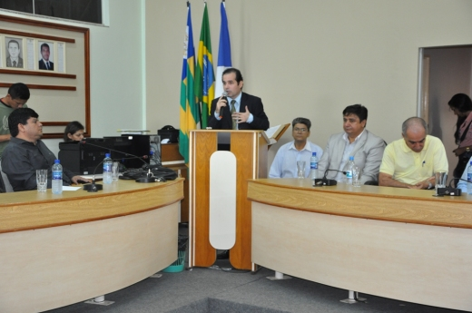 O defensor público José Rafael Silvério também participou da audiência