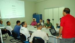 Objetivo da reunião foi orientar os comerciantes