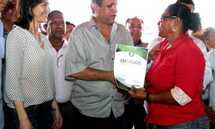Entrega de certificados  para os beneficiários do Projeto Barraginhas