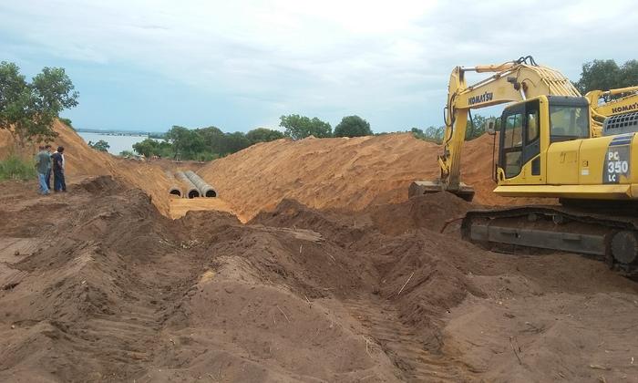 Reinício das obras de macrodrenagem na Avenida LO-11, que vai fazer o escoamento das águas pluviais da quadra 407 sul