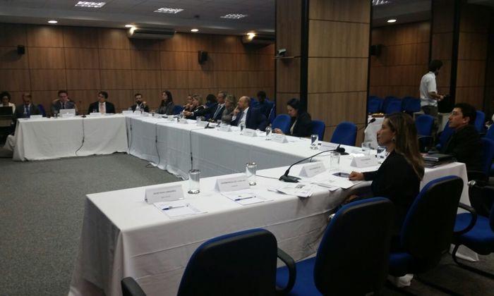 Participa da reunião a diretora de Ouvidoria, Transparência e Combate à Corrupção da CGE, Kátia Macedo