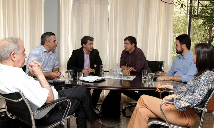 Reunião analisou projetos para sequestro e comercialização de carbono.