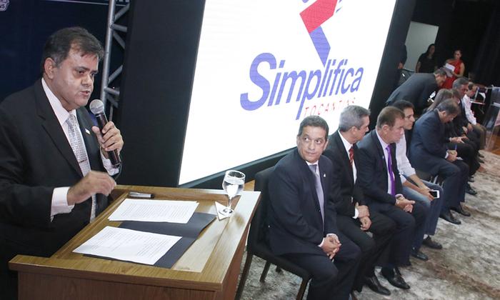 O presidente da Junta Comercial do Tocantins, Carlos Alberto, reforçou que a principal meta do Governo ao implantar o Simplifica, é tornar mais ágil o ambiente de negócios