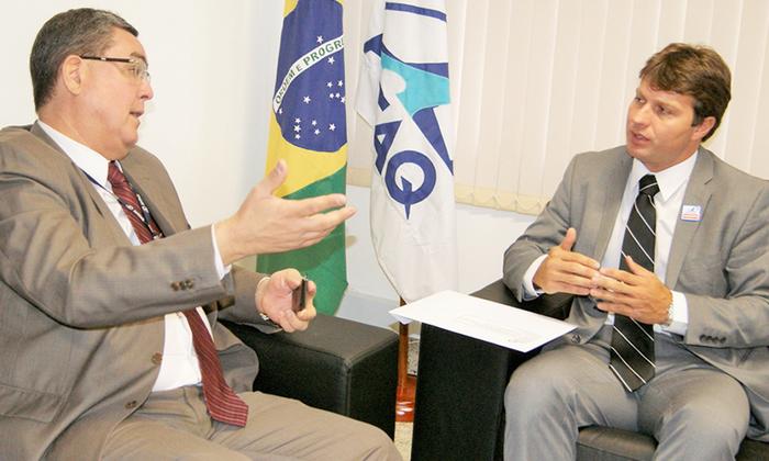 O presidente da Agência de Regulação, Jota Patrocínio (D), se reuniu com o diretor-presidente da Antaq, Fernando Fonseca