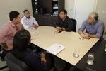 O subsecretário Frederico Oliveira e o superintendente George Brito em reunião com representantes da Finep