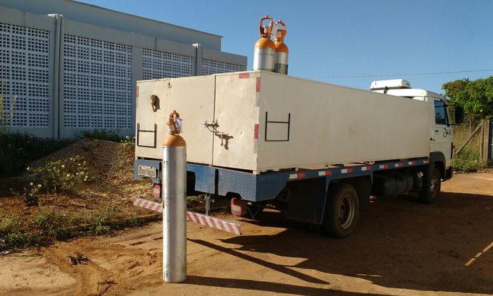 Tubos de gás hélio para o Laboratório de Análises Forenses, da Polícia científica do Tocantins