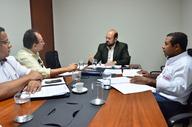Musafir ouviu demandas e garantiu abertura para diálogo e ratificou o compromisso de manutenção de salários dos servidores