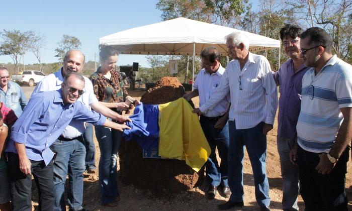 Descerramento da placa da pedra fundamental da APA do Lago de Palmas