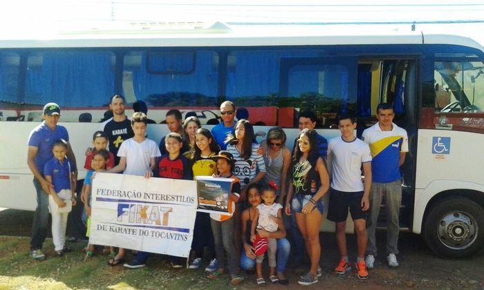 Embarque de parte da delegação tocantinense de karatê que vai ao Brasileiro_700x420.jpg