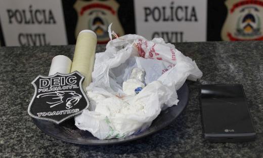 Drogas e objetos frutos de roubos e receptação foram apreendidos pela Polícia Civil