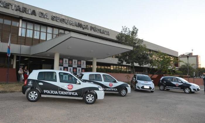 Viaturas entregues para a Polícia Científica